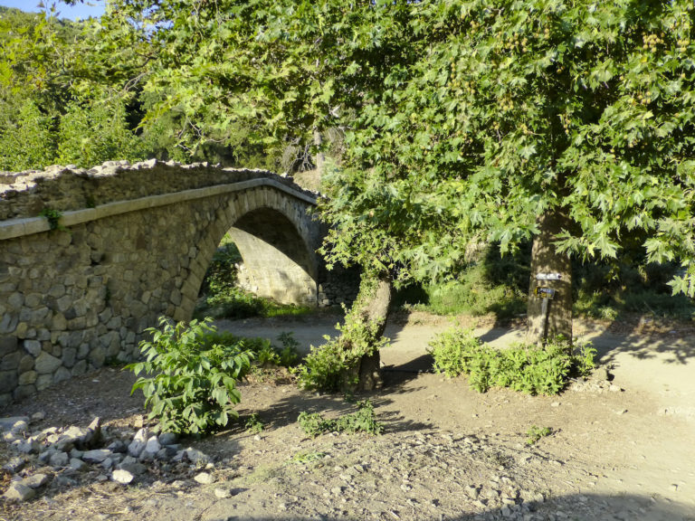 Richtis_gorge_Lachana_bridge_-_panoramio